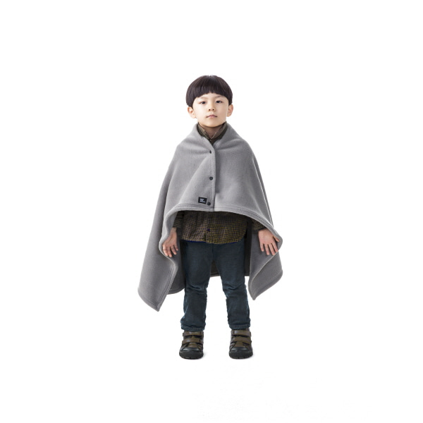 "Kids Bold Cape ""NAMTSO L.GRAY"""